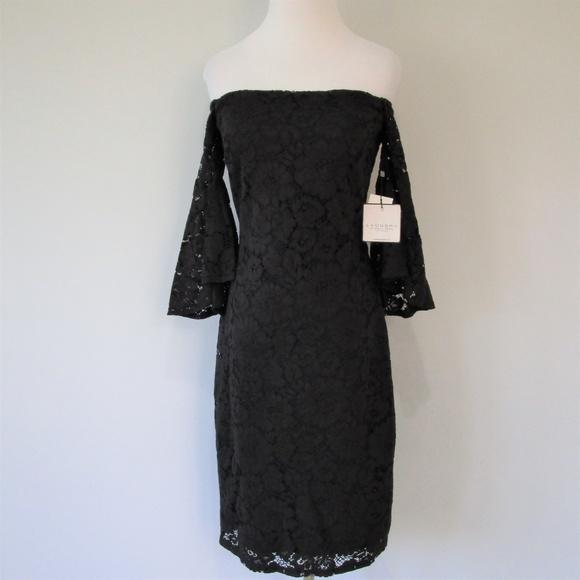 Laundry By Shelli Segal Dresses & Skirts - NWT Crochet Off Shoulder Bell Sleeve Midi Dress